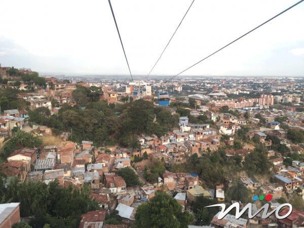 Vista aérea desde una de las carrozas del Mio Cable